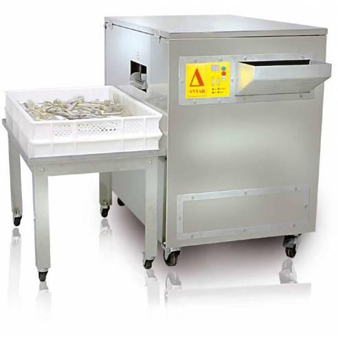 Secadora y abrillantadora de cubiertos profesional totalmente automática. Elimina manchas de cal y productos de lavado. Elimina